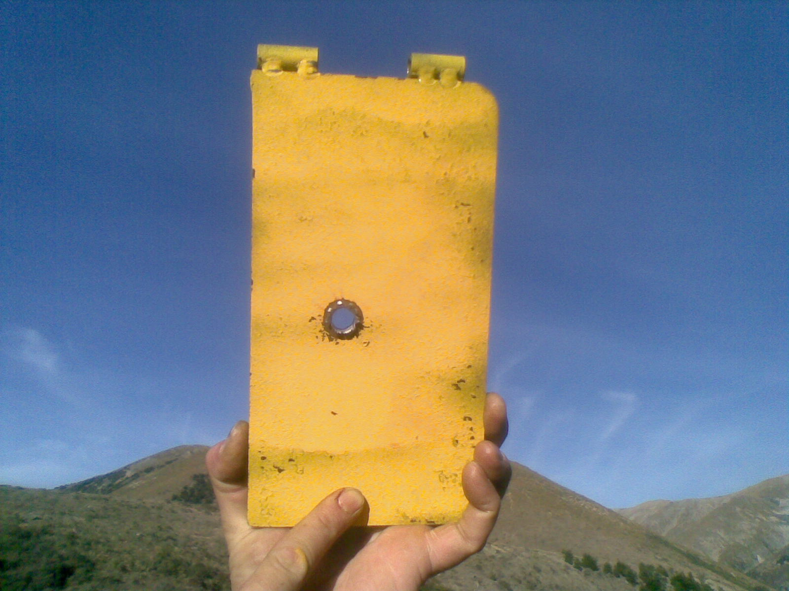Name:  2506 vs 10mm plate at 275yds.jpg