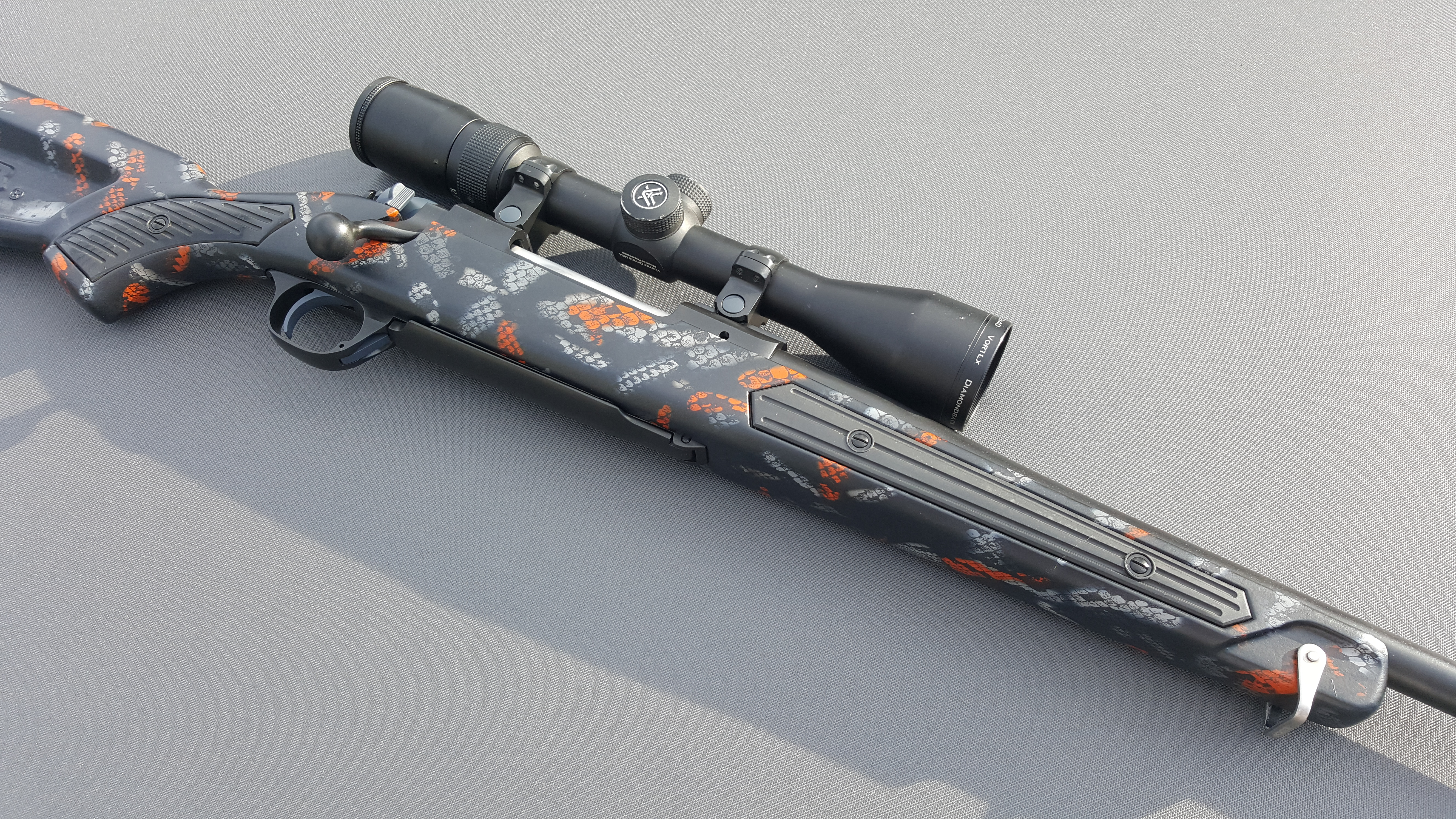 Name:  Ruger M77 MkII .270 Wina Hydro Snake Skin Skekton Stock Vortex Diamondback 4-12x40 2.jpg