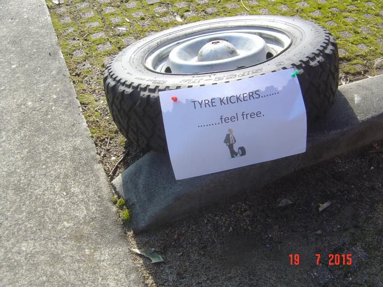 Name:  72110d1437308363-french-car-owners-monthly-tyre-kicking-day-dsc02513.jpg Views: 526 Size:  99.9 KB