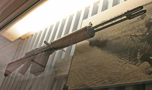 Name:  Salvo_Rifle_01_zpsbd9986c7-1.jpg Views: 254 Size:  29.9 KB