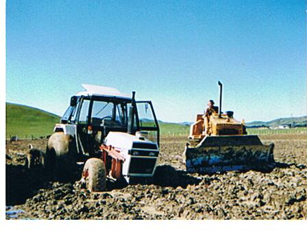 Name:  bogged tractor.jpg