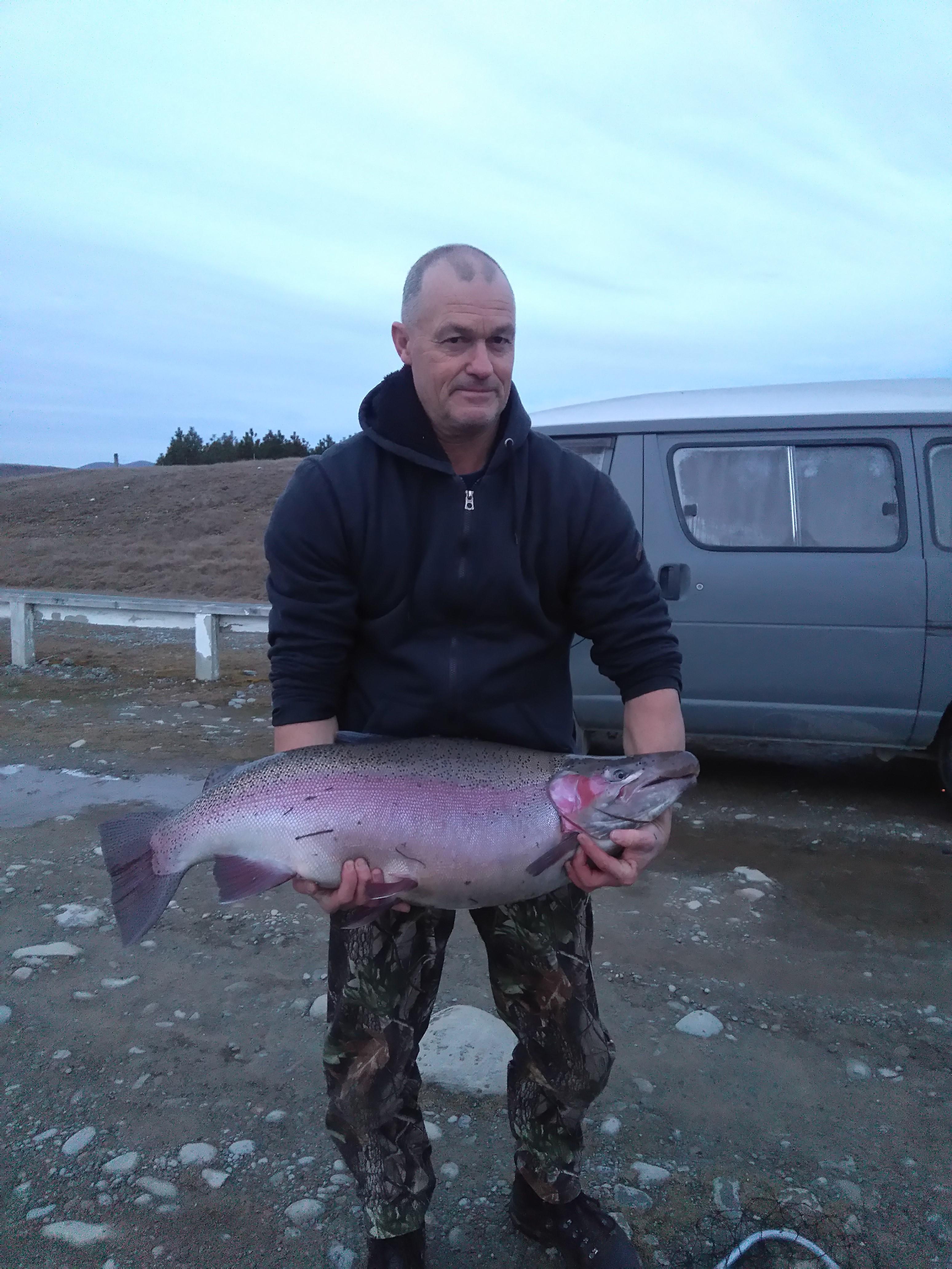 Name:  28lb rainbow trout tekapo.JPG Views: 219 Size:  2.34 MB
