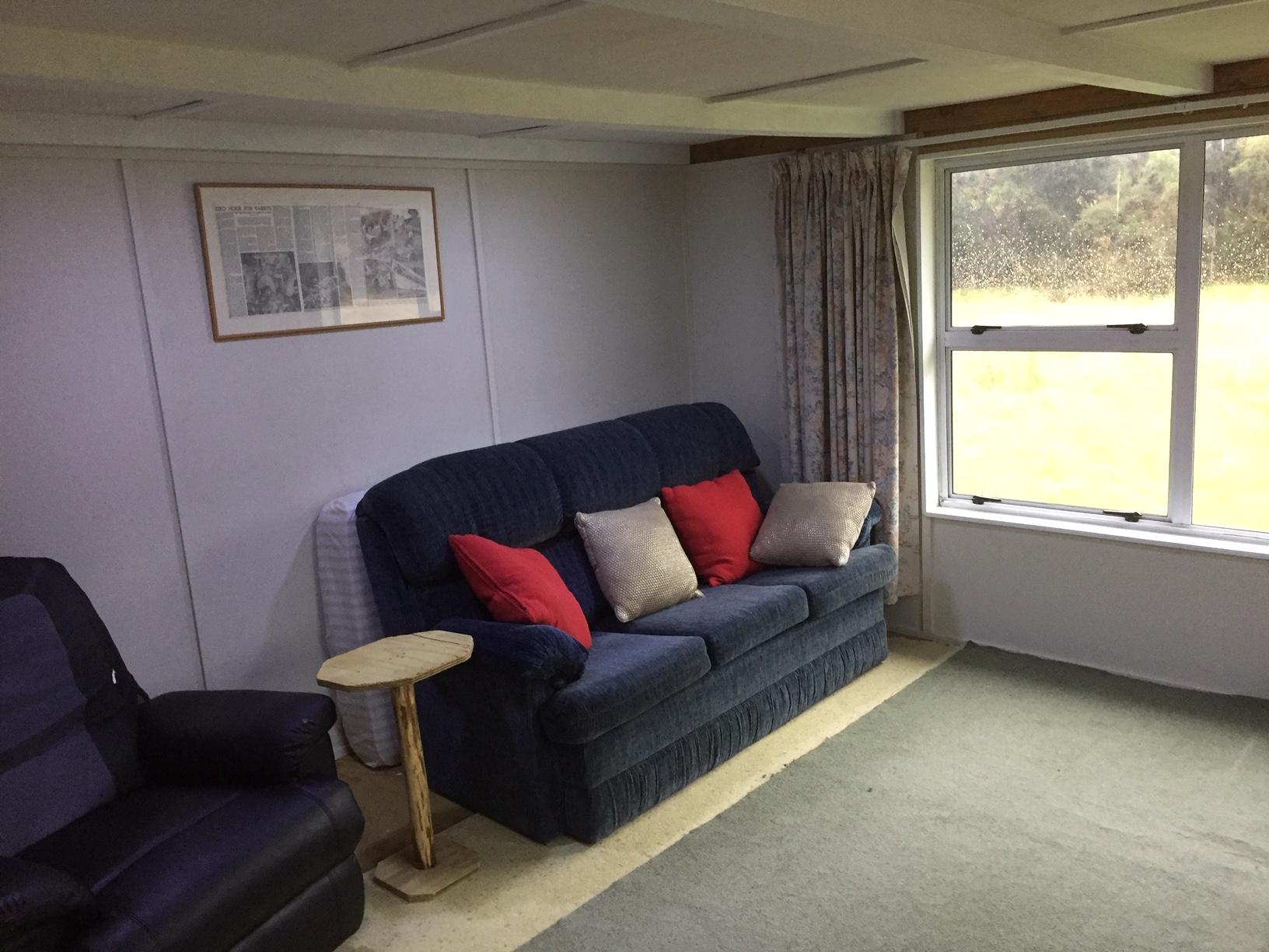 Name:  Finished Lounge 2.JPG Views: 112 Size:  593.4 KB