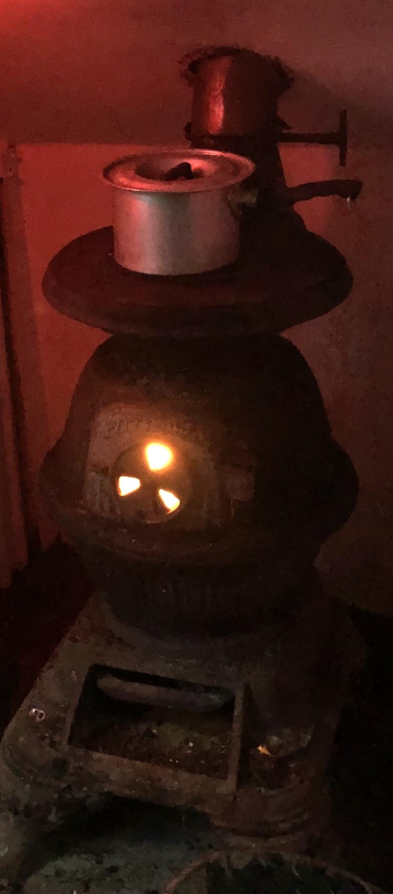 Name:  Pot on woodburner.jpg Views: 216 Size:  319.9 KB